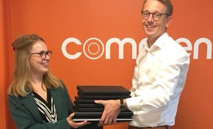 commentor giver gamle computere væk